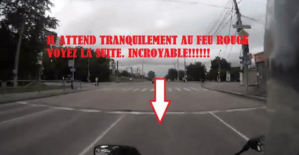 omg    wo tou un fail en motocyclette   u00c7a doit faire mal