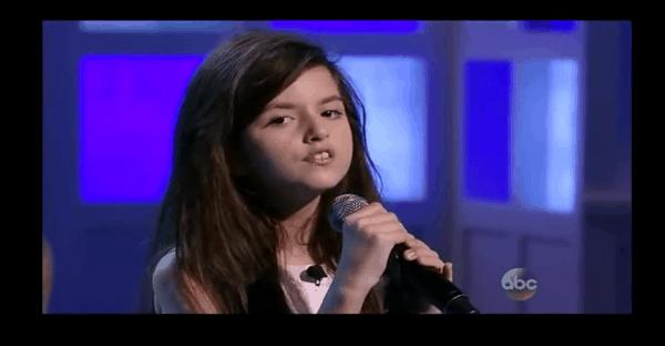 jeune fille toute une voix