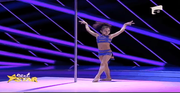 jeune danseuse incroyable