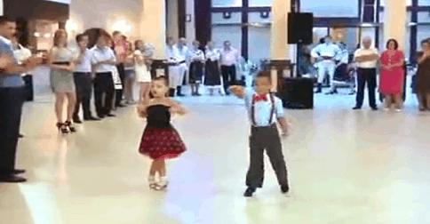 jeune danseur qui danse