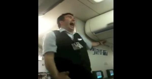 Les passagers de cet avion ne pensaient jamais recevoir les consignes de sécurité de cette façon!