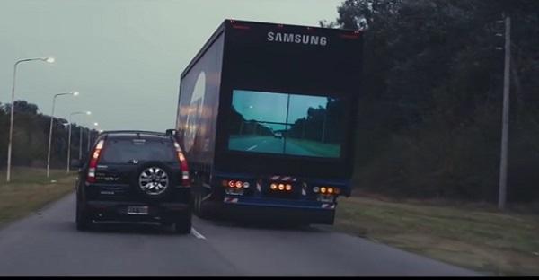 Une idée de Samsung aide à limiter les accidents de la route. GÉNIAL!
